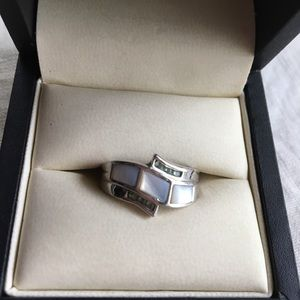 Lia Sophia Silver/mother of pearl ring